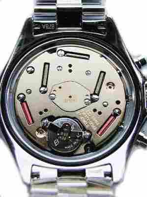 Az elektronika térhódításával megjelentek a tisztán elektronikus működésű  órák ec718e6f48